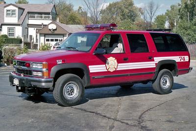 BENSENVILLE FD  CAR 74  1994  CHEVY SUBURBAN 2500  4X4