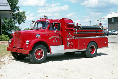 BLOOMINGDALE FPD  ENGINE 8  1964  IHC V190 - JOHN BEAN   250-1000