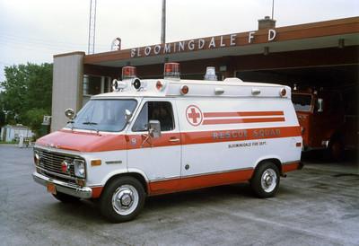 BLOOMINGDALE FPD  SQUAD 9   1973  GMC VANGUARD - HORTON
