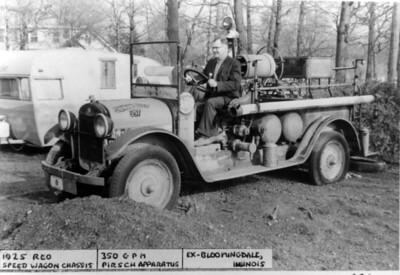 BLOOMINGDALE FPD  ENGINE 1  1925 REO - PIRSCH   350-100   DAN MARTIN PHOTO