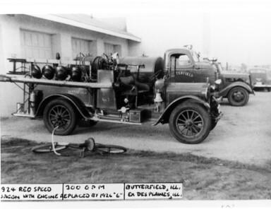 BUTTERFIELD FPD  ENGINE 1  1924 REO   300GPM   X- DESPLAINES FD   DAN MARTIN PHOTO