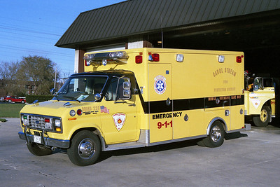 CAROL STREAM FPD AMBULANCE 228