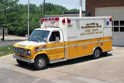 CLARENDON HILLS FD  AMBULANCE 350