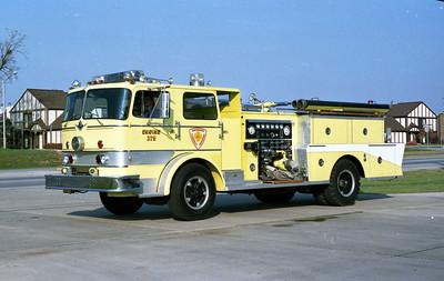 DARIEN WOODRIDGE  ENGINE 375  IHC - WITH REAR ENCLOSURE