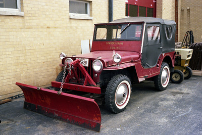 DOWNERS GROVE ESTATES JEEP & PLOW