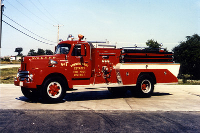 DOWNERS GROVE ESTETS ENGINE 371   IHC R190 - DARLEY   DELIVERED ALL RED