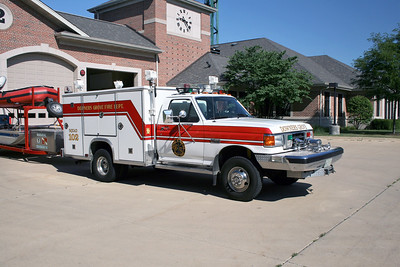 DOWNERS GROVE  SQUAD 102  FORD F - LUVERNE