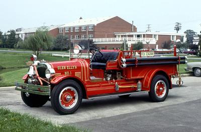 GLEN ELLYN  ENGINE 1  ANTIQUE   JEFF SCHIELKE PHOTO