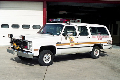 GLENSIDE  CAR 702  1987 GMC SUBURBAN