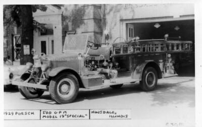HINSDALE FD  ENGINE 1  1930  PIRSCH   500-    #714   DAN MARTIN PHOTO