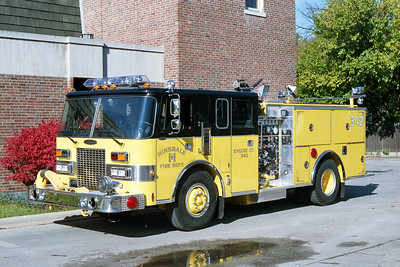 HINSDALE FD  ENGINE 342    1987  PIERCE LANCE   1500-500    BEXT TO STATION