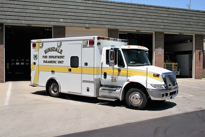 HINSDALE FD  MEDIC 85  2005  IHC 4300 - ROAD RESCUE