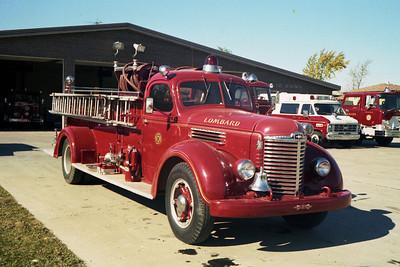 ENGINE 41  1948 IHC KB5 - BOYER 500-400  OFFICERS SIDE