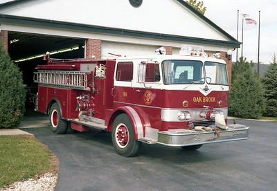 OAK BROOK ENGINE 911  CO-8190 - DARLEY