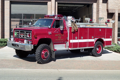 ROSELLE FPD  SQUAD R-14  1980  GMC 4X4 - E-ONE   250-1500   # 1515