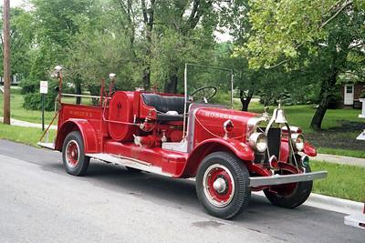 ROSELLE FPD  ENGINE R-1  1926  PIRSCH 19   500-200   # 584   OFFICERS SIDE