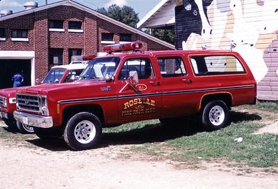 ROSELLE FPD   CAR R-1  1979  CHEVY SUBURBAN 4X4  AT MONROE FIRE SCHOOL