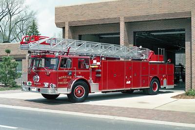 ROSELLE FD  TRUCK R-10  1973  SEAGRAVE   1250-300-100'    # C-73207  PRE STRIPE