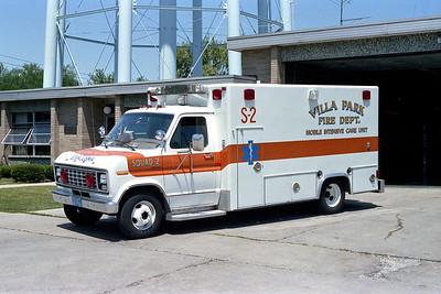 VILLA PARK FD   AMBULANCE 982   1988 FORD E-300 - ROAD RESCUE