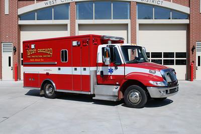 WEST CHICAGO FPD  MEDIC 5   2001 IHC 4300-LIFELINE BF