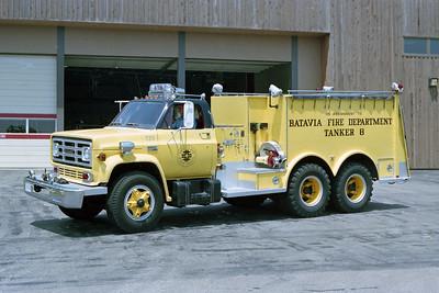 BATAVIA FD  TANKER 6  1974  GMC - WELCH   250-1500  X- FERMI LAB TANKER 725