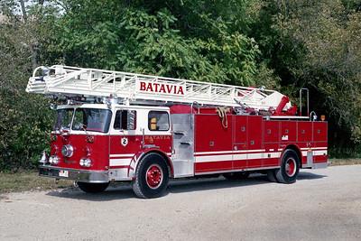 BATAVIA FD  TRUCK 2  1978  SEAGRAVE   1250-300-100'  WHITE STRIPE