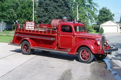 BURLINGTON COUNTRYSIDE FPD  ENGINE 1301  1939  FORD - DARLEY   400-500