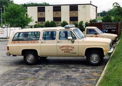 CARPENTERSVILLE CAR  CHEVY SUBURBAN   JEFF SCHIELKE PHOTO