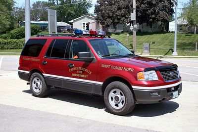 CARPENTERSVILLE  CAR 900  2006 FORD EXPEDITION