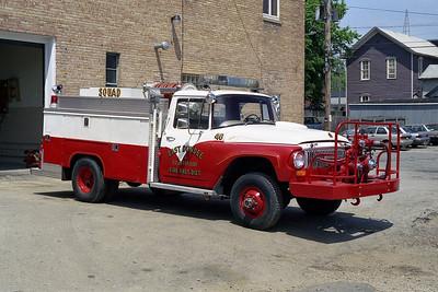 EAST DUNDEE BRSH 46  1966 IHC - ALEXIS  500-250