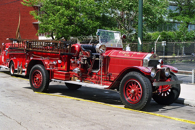 ELGIN FD   ENGINE 1  1927 ALF   1000-150    AT CHICAGO FIRE ACADEMY   BILL FRIEDRICH PHOTO