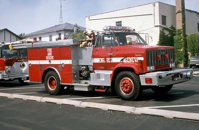 GENEVA FD  ENGINE 207  1989  GMC - PIERCE  750-400   E-4493    OFFICERS SIDE