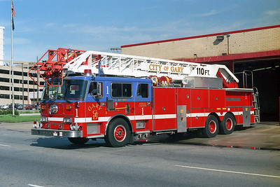 GARY FD IN  TRUCK 1  SEAGRAVE   110'