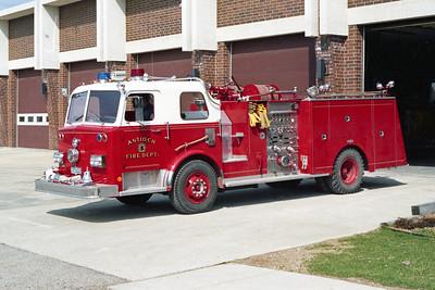 ANTIOCH FIRE DISTRICT  ENGINE 2112  1973  PIRSCH   1250-500
