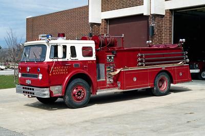 ANTIOCH FIRE DISTRICT  ENGINE 2113  IHC CARGOSTAR - PIRSCH
