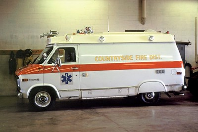 COUNTRYSIDE FPD  AMBULANCE 4147  1975  CHEVY - SUPERIOR