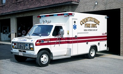 COUNTRYSIDE FPD  AMBULANCE 4149  1989  FORD E350 - EXCELLANCE