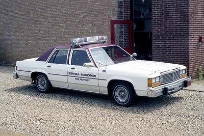 DEERFIELD BANNOCKBURN FPD  CAR 701  FORD LTD