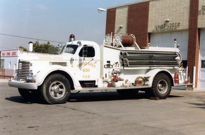 ROUND LAKE  ENGINE 633  WHITE