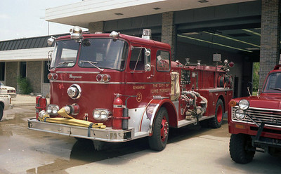 LAKE FOREST FD  ENGINE 2  SEAGRAVE
