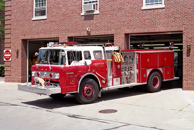 LIBERTYVILLE FD  ENGINE 4611  1981  FORD C - E-ONE   1000-750   # 1542