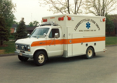 LIBERTYVILLE FD  AMBULANCE 4641  1991  FORD E350 - MOBIL MED FORD