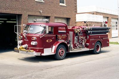 LIBERTYVILLE FD  ENGINE 4611  1963  ALF 900   1000-750   #9148