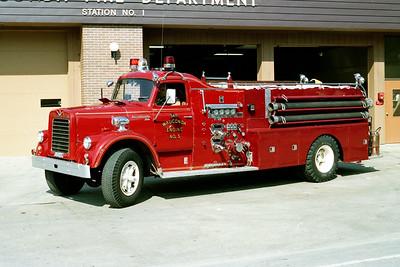 WAUCONDA FD  ENGINE 3411  1967  IHC V190 - HOWE   1000-1000   #10144