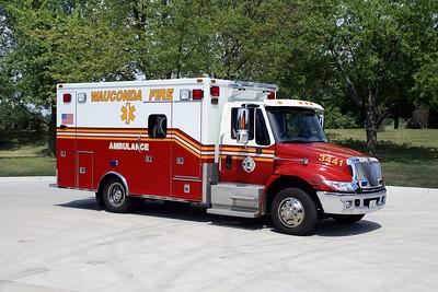 WAUCONDA  FD  AMBULANCE 3441  2006  IHC 4300 - MEDTEC   #6548