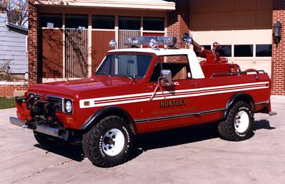 HUNTLEY  BRUSH 942  1979 IHC - FD BUILT  250-150