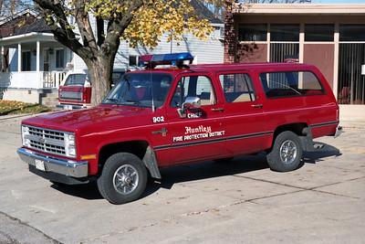 HUNTLEY  CAR 902  1981 CHEVY SUBURBAN 1