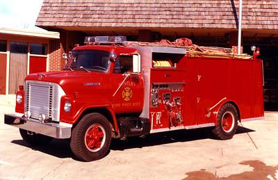 HUNTLEY  TANKER 927   1972 IHC FLEETSTAR 2010 - WLF  750-1500