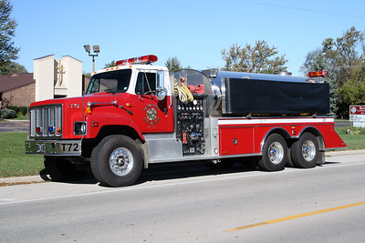 WOODSTOCK FIRE-RESCUE DISTRICT  TANKER 72  1994  IHC 2674 - US TANKER   1000-3000   #1076