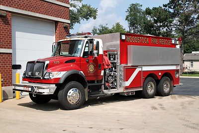 WOODSTOCK FIRE-RESCUE DISTRICT  TANKER 73  2007  IHC 7600 - PIERCE   1000-3000    #17943